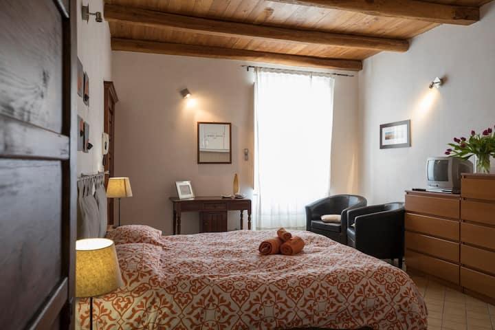 Maiorca24- Studio apartment in Old town Alghero