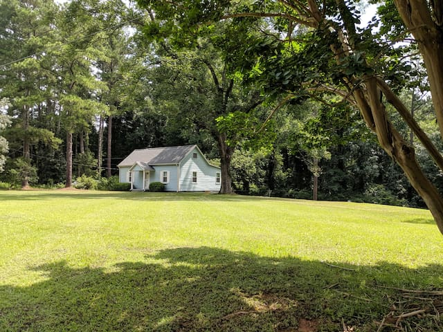 Guest House at Firefly Farm and Gardens