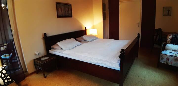 Comfortable room in Bílá Hora, Prague