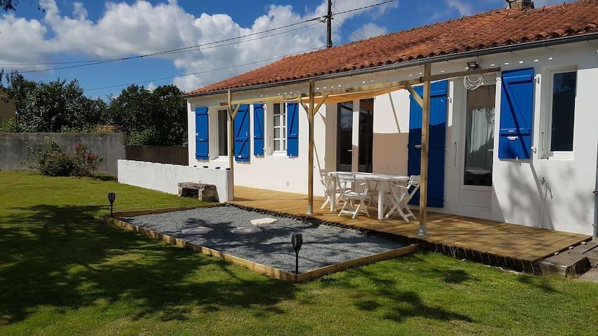 Maison rénovée, au calme, à 10 minutes de la mer