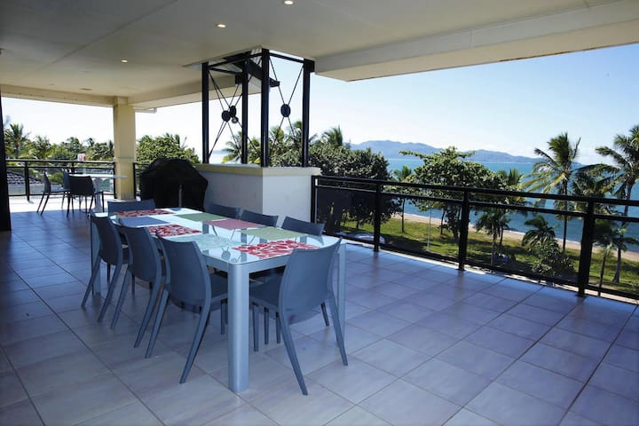 The Strand, Townsville -Penthouse Luxury Apartment