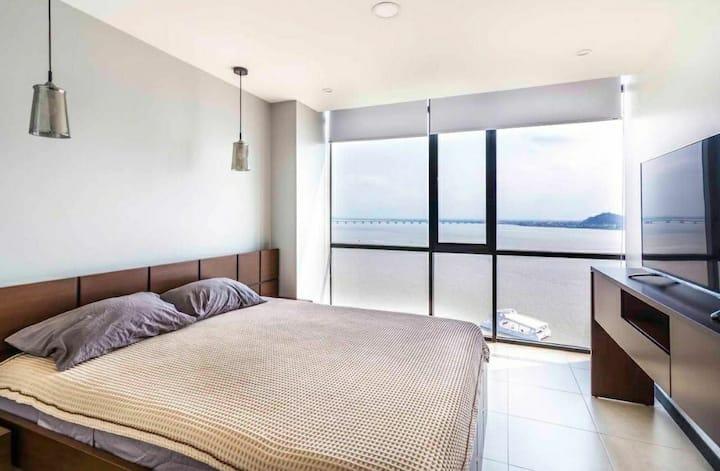 PentHouse Bellini⭐ River View Santa Ana Super Host