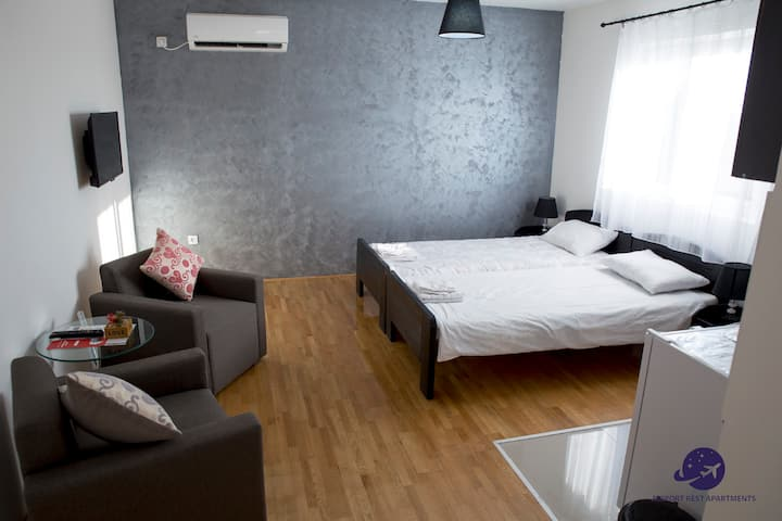 Airport Rest Apartments Triple room 2