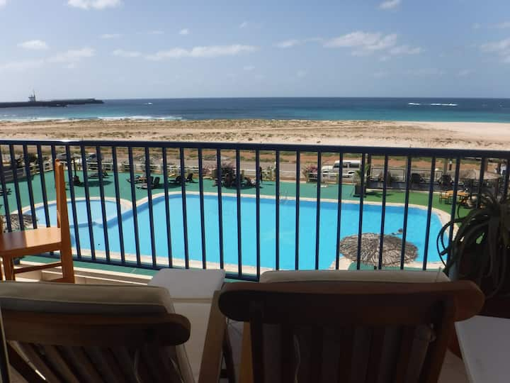 Boa Vista 2 Bedroom Apt, Sea Views & Internet.