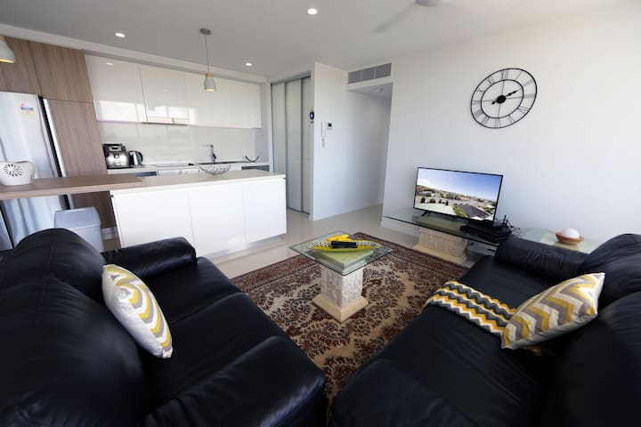 2bed 2bath level6 Southport - Southport