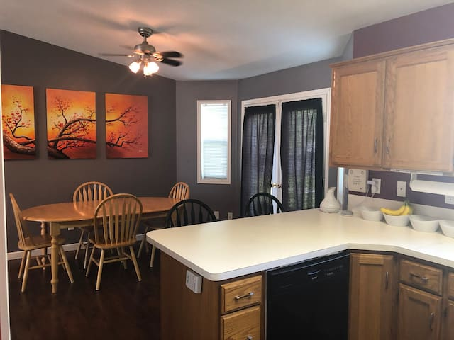 Rexburg summer deal. 2 Private rooms & 1 bath