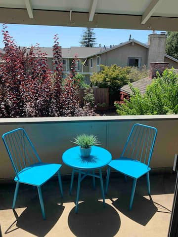 New bistro set on balcony overlooking courtyard and Sierra Foothills where you can enjoy your coffee, wine or smoothie.