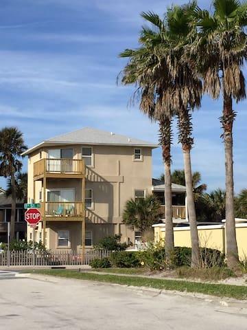 3 Ocean View Decks - 2 Bed, 2.5 Bath - Jacksonville Beach - House