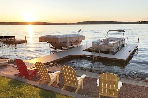 Exclusive Pewaukee Lake House Rental