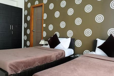 Luxurious Bedroom ideally located in the city - Mumbaj - Obsługiwany apartament