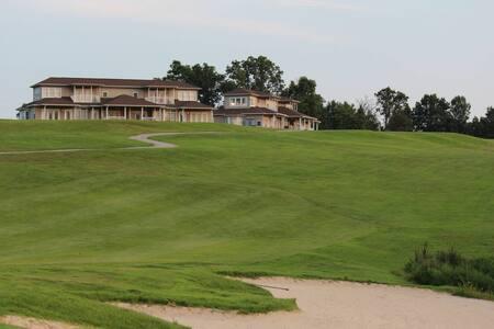 RiverWatch Golf Club Condo Studio 181-1
