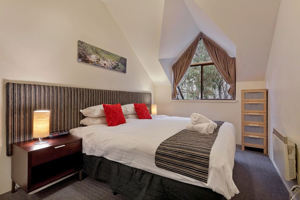 King Split Beds so you can choose 1 king or 2 single beds in the bedroom