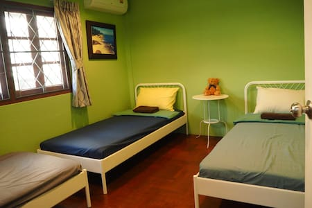 Homestay /triple bedroom near Asiatique