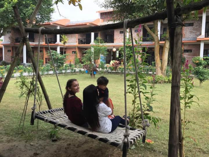 Chautari Garden Resort, Sauraha, Chitwan Natl Park