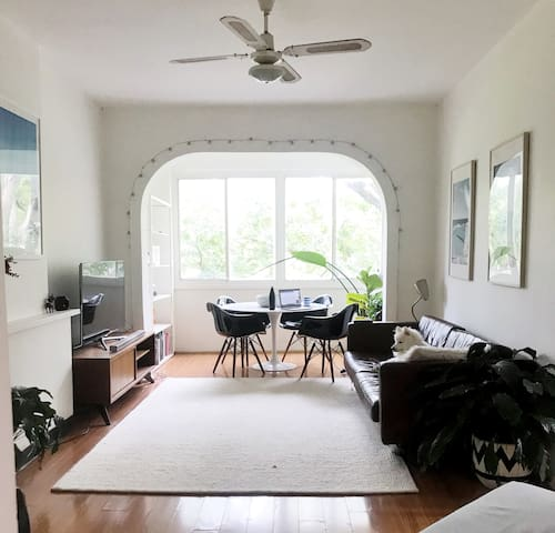 Shared/private 2br light airy Rose Bay apartment