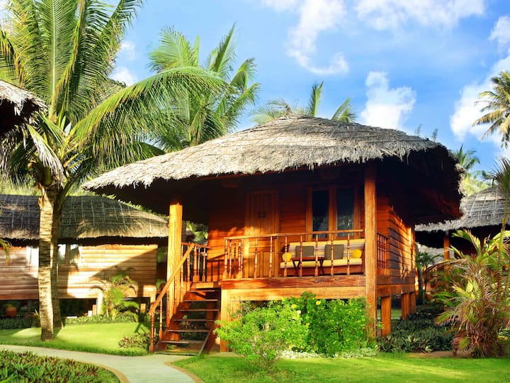 Bungalow by the Sea in a Resort