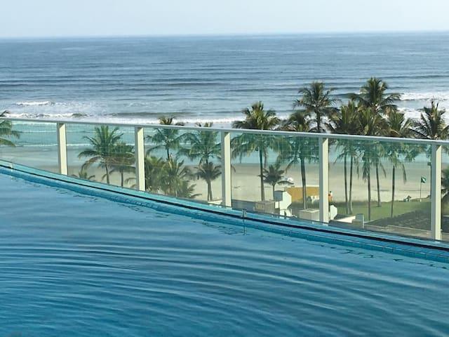 Apartamento charmoso,novo,com vista mar