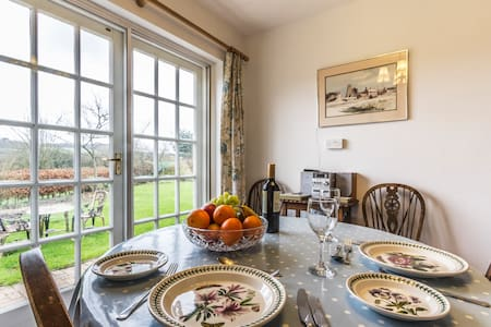 Lavender cottage: self contained - Chilham - 独立屋