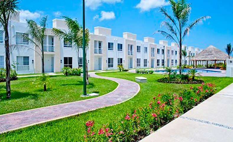 Cancun La Joya