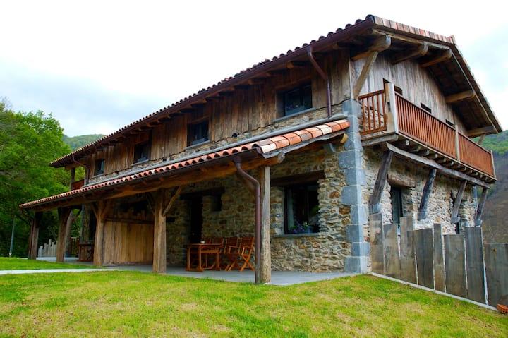 Apartamentos de lujo en la montaña (4 habitacion).
