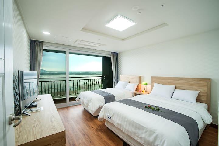breezebay / sutie room(sea view) - Seogwipo-si - Outros