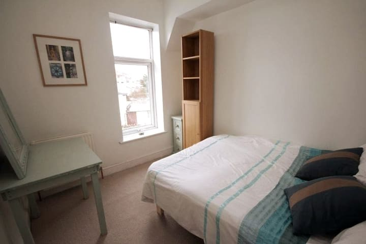 Lovely Double Room in Central Bed and Breakfast