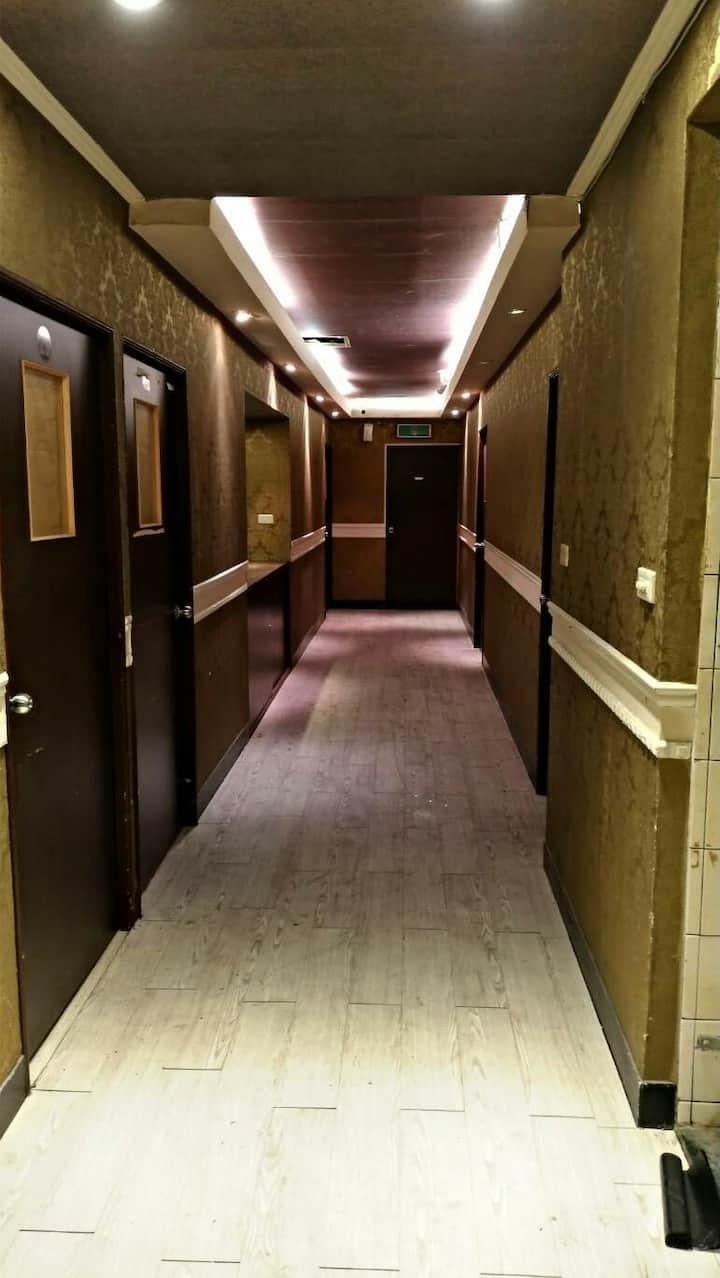 龍山寺雅房月租型at least rent room for 1 month for girl