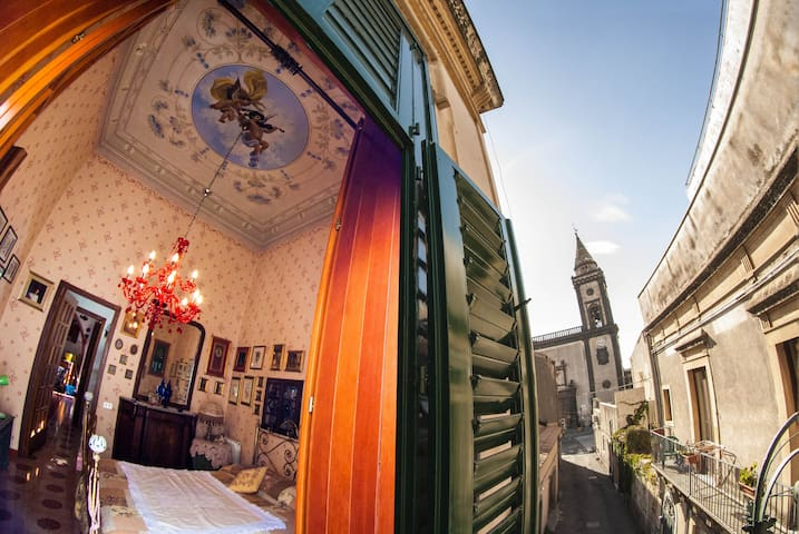 Old style apartment on Etna - Mascalucia