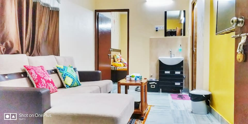 Furnished apartment, 2 Mins. from South City mall.