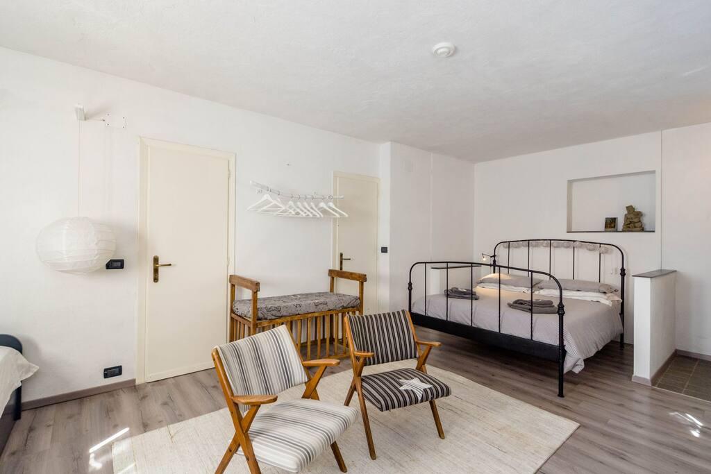 b b loc giuanne arenzano italia chambres d 39 h tes louer arenzano ligurie italie. Black Bedroom Furniture Sets. Home Design Ideas