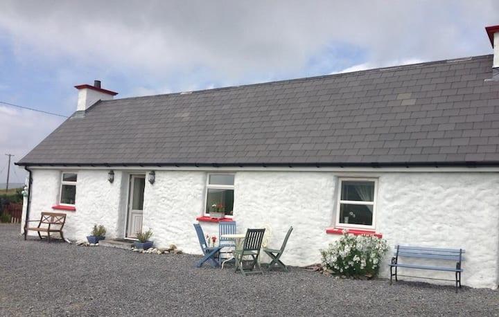 Cottage on Wild Atlantic Way sleeps 6 2 baths WiFi