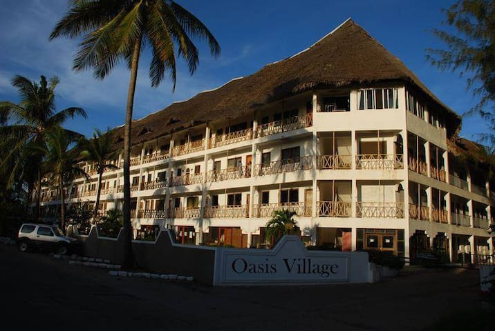 Malindi Beachfront Apartment - Malindi - Pis
