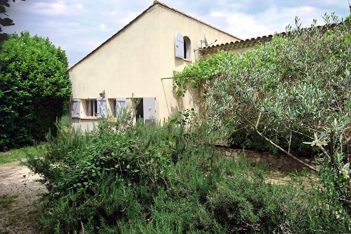 Duplex climatisé avec jardin 5mn du centre d'Aix
