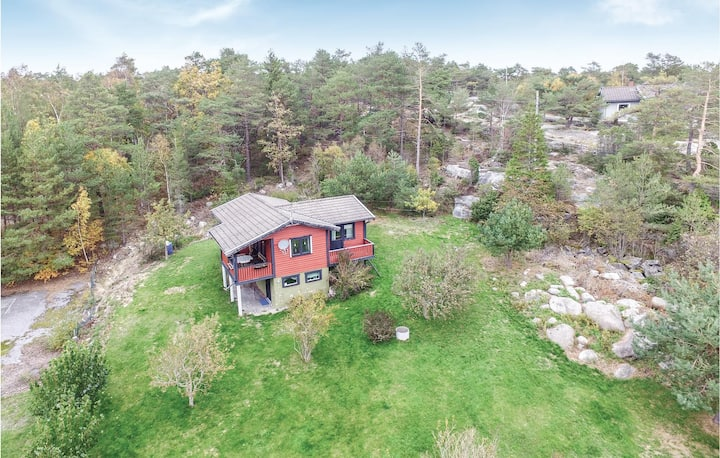 Awesome home in Strömstad with 3 Bedrooms