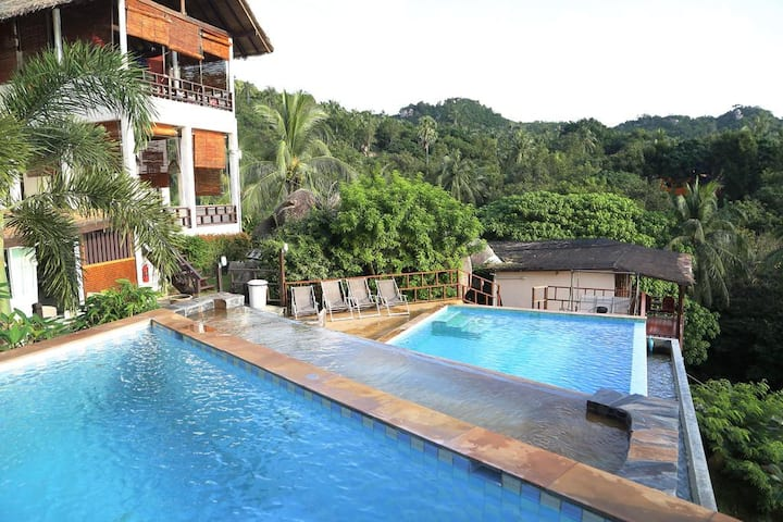Family Pool access Stunning ocean view ★★★★★