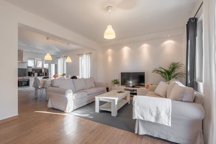 VIP 5+2 apartment - 7 min walk to the beach