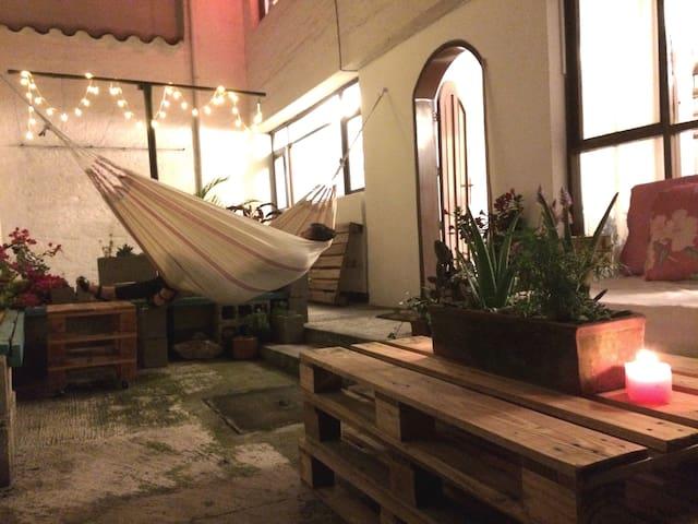 La Floresta flat in Quito's barrio that has it all - Кито - Квартира