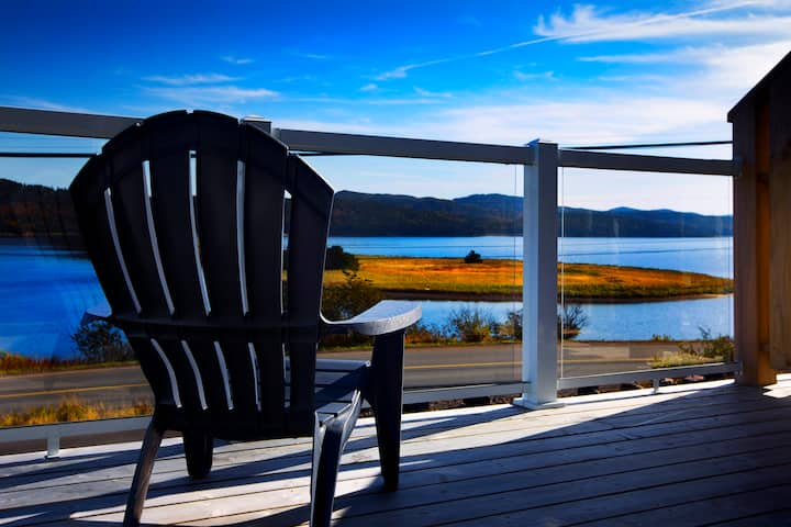 The Killick Ocean-View Suite in Arnold's Cove