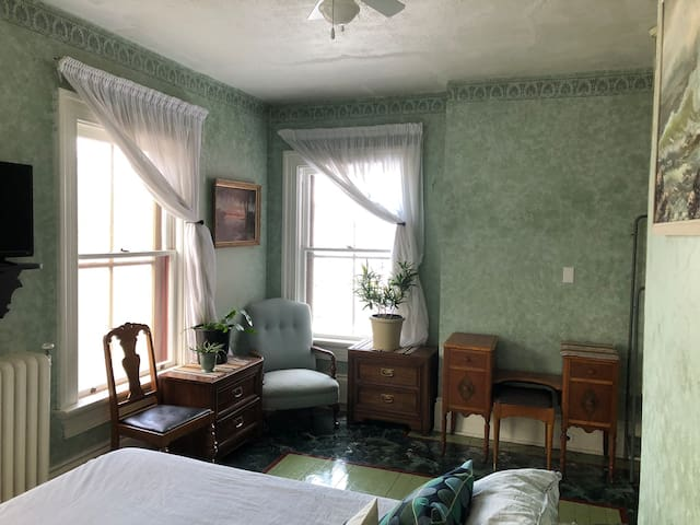 Huron Century House - Bird Room