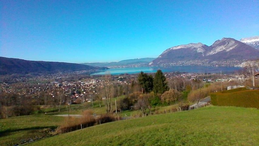 Lac d'Annecy - Maison des Chevreuils