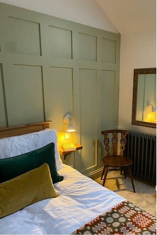 The double bedroom (King size bed)
