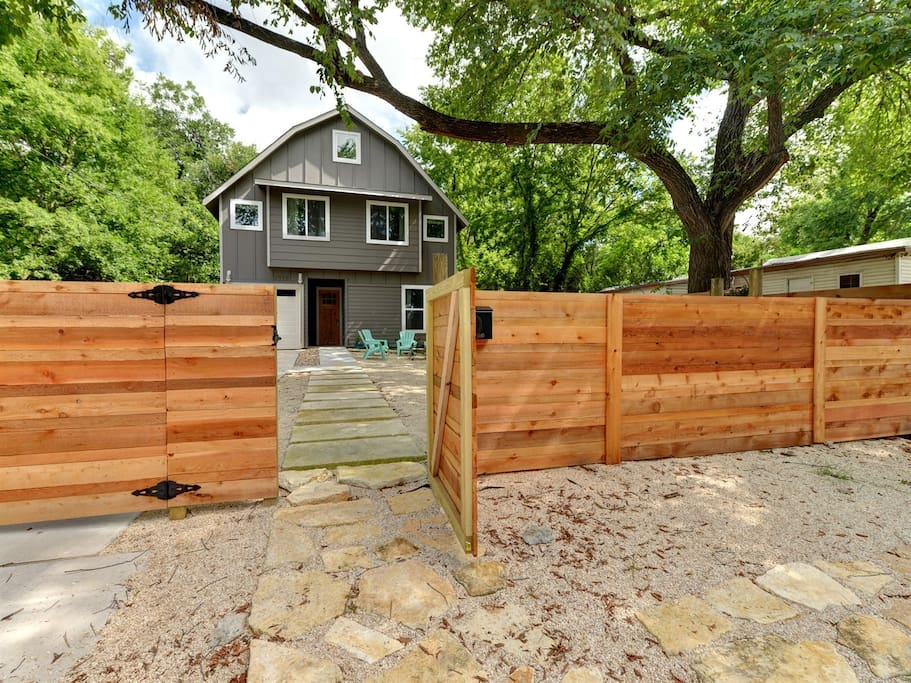 8 Bedroom East Downtown House Houses For Rent In Austin Texas United States