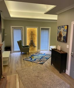 S2 NEWest One Bedroom in Old Town - Gold Coast