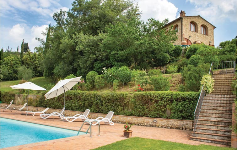 Holiday cottage with 3 bedrooms on 200 m² in Montespertoli FI