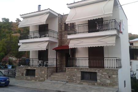 AnnA's comfortable House - Neos Marmaras