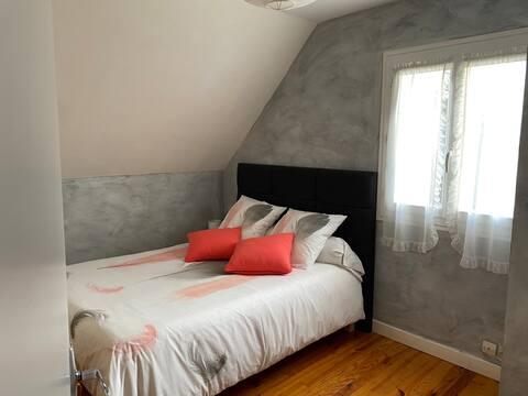 Chambre(1) très calme climatisée à l'étage