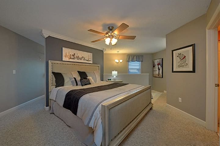 King Bed in Master Suite