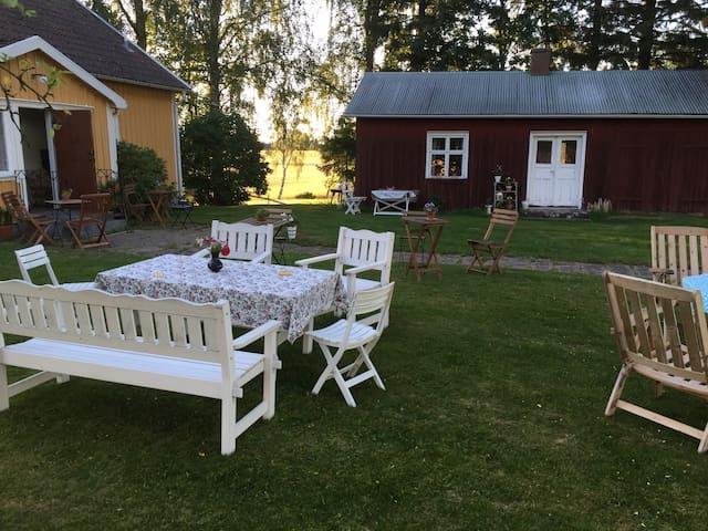 Krokens Alpacka & rumsuthyrning - Lidköping S - Hus