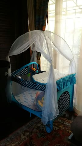 Babycrib/toddler bed available for free