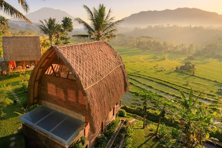 Like living in a romantic Balinese painting